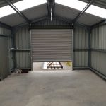 GABLE END WITH ELECTRIC ROLLER DOOR